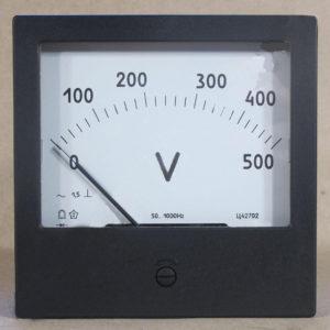 Проверка заряда аккумулятора вольтметром