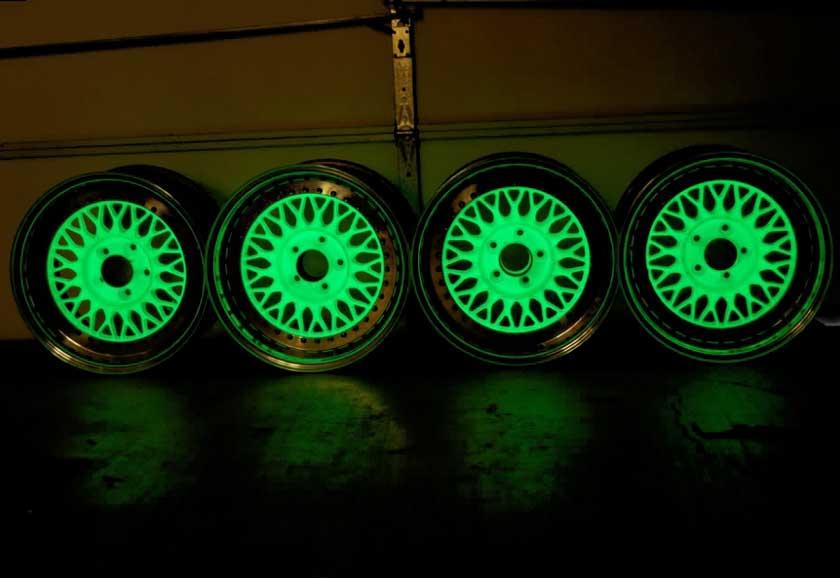 Покраска колес автомобиля люминесцентной краской