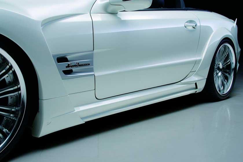 Пример тюнинга порогов автомобиля Мерседес