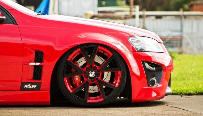 Диски на красную машину