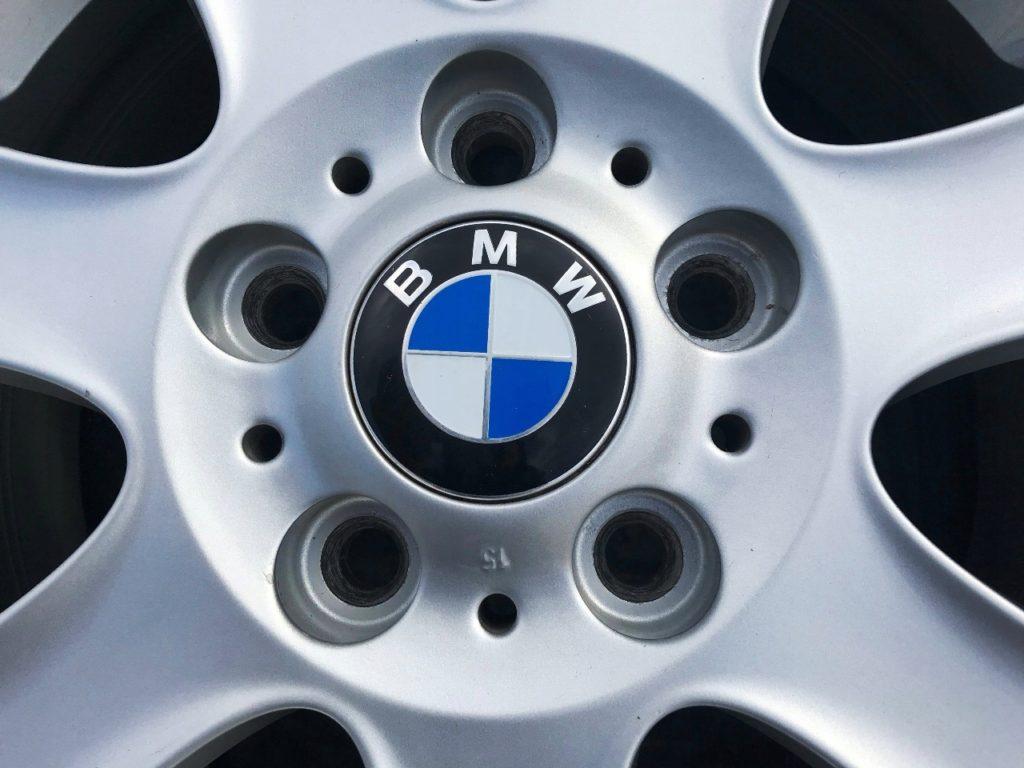 Заглушка на BMW